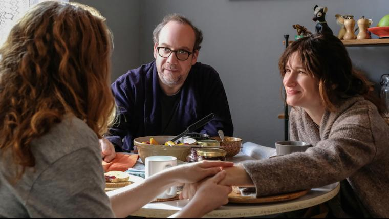Kayli Carter, Paul Giamatti, and Kathryn Hahn in Private Life