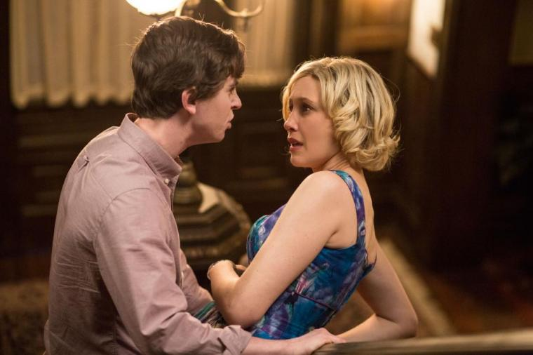 Freddie Highmore and Vera Farmiga in Bates Motel