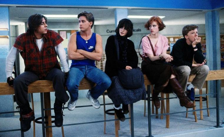 Judd Nelson, Emilio Estevez, Ally Sheedy, Molly Ringwald, and Anthony Michael Hall in The Breakfast Club