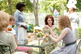 Ahna O'Reilly, Viola Davis, Bryce Dallas Howard, and Emma Stone in The Help