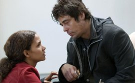 Halle Berry and Benicio del Toro in Things We Lost in the Fire
