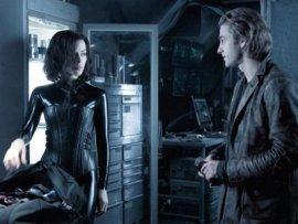 Kate Beckinsale and Scott Speedman in Underworld: Evolution