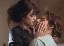 Penelope Cruz and Tom Cruise in Vanilla Sky