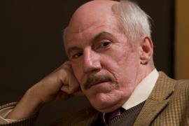 Tom Dugan in Simon Wiesenthal: Nazi Hunter