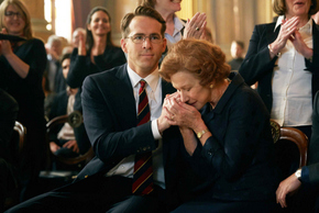 Ryan Reynolds and Helen Mirren in Woman in Gold
